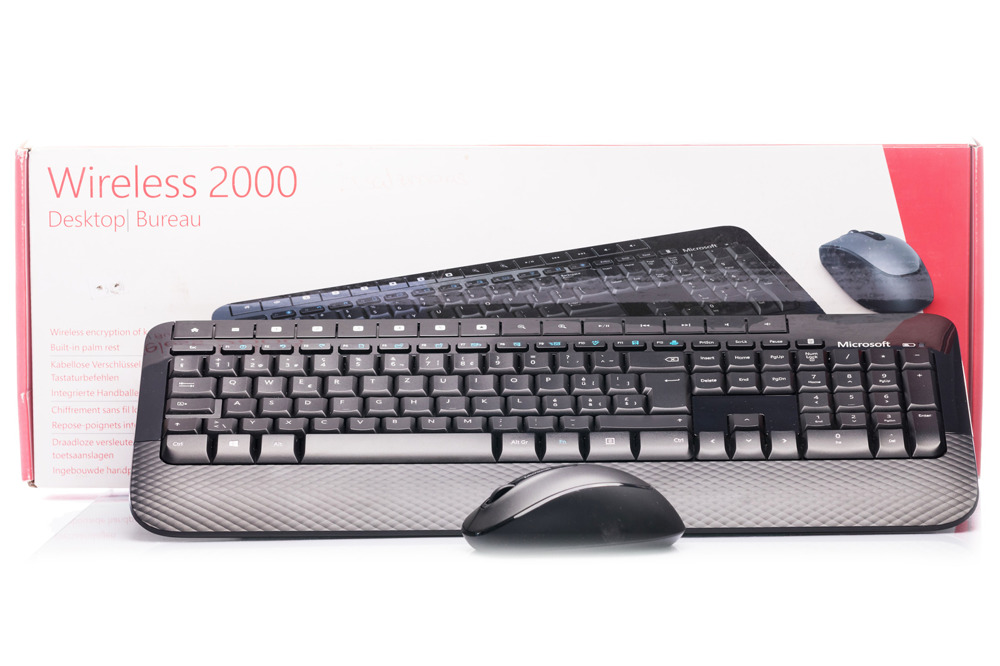 Microsoft Wireless 2000 Desktop (Swiss) M7J-00024